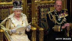 Queen's Speech: Changes to exams, curriculum and teachers' pay highlighted